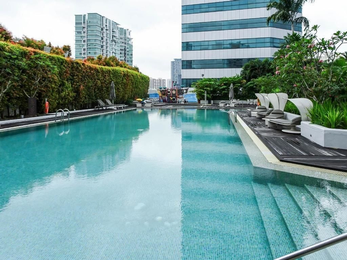 Frasers Suites Singapore, Singapore River