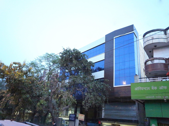 OYO 11952 Hotel Royal India, West