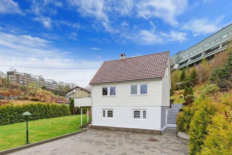 House of Bergen II, Bergen
