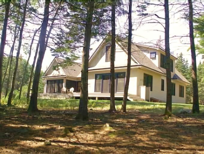 Alberta Lane Cottage - Five Bedroom Home, Hancock