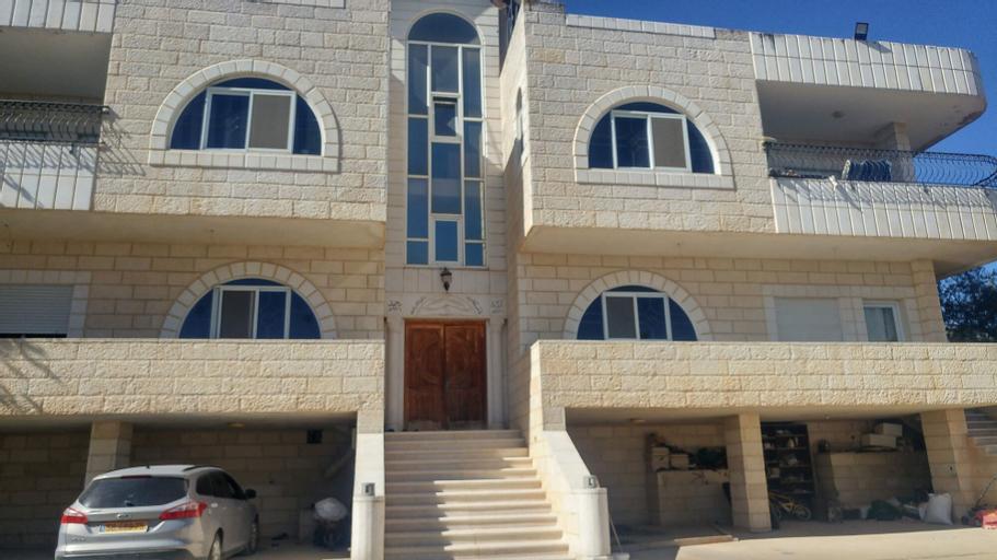 Barmil Resident, Bethlehem