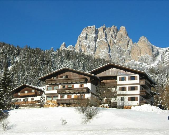 Residence La Zondra - Near QC Terme Dolomiti, Trento