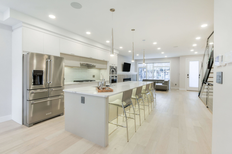 NEW LUXURY TOWNHOME 23, Division No. 11