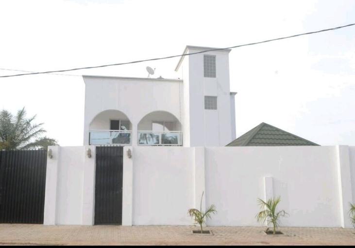 Drammeh's Villa, Kanifing