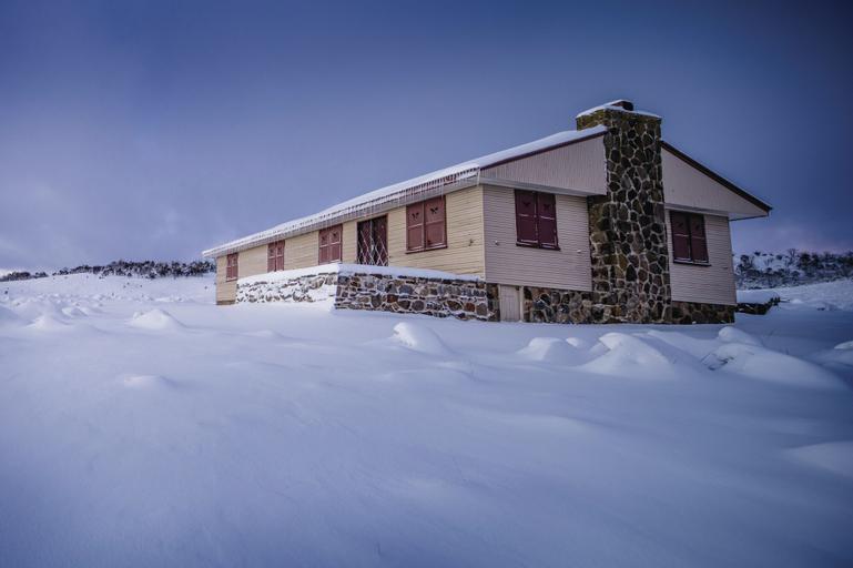 Wolgal Hut, Snowy River