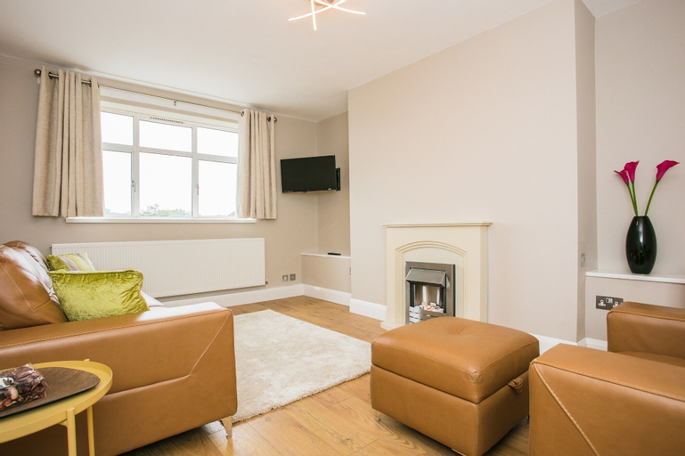 2 Bedroom Flat in West London, London