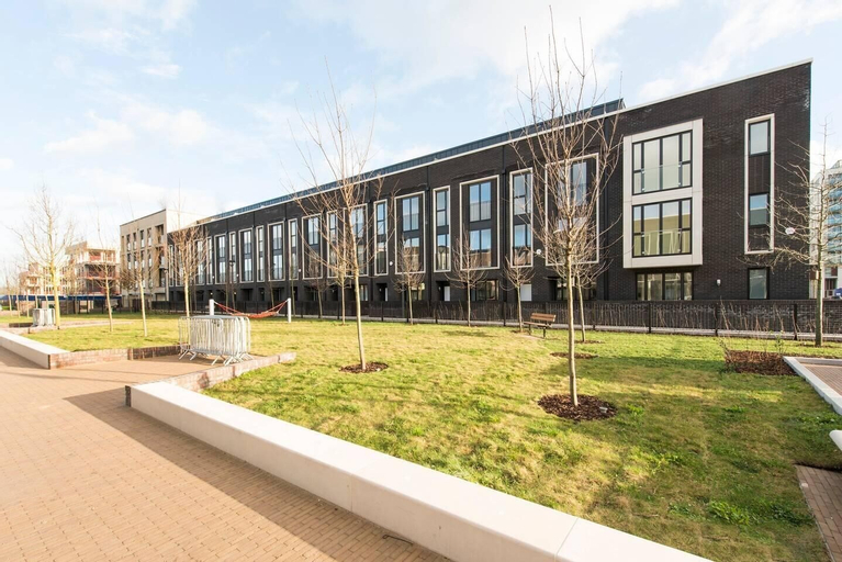 Stunning Modern 5BR house in Olympic East London, London