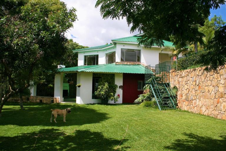 Blue Hills Guest House Christonbank, Mazowe