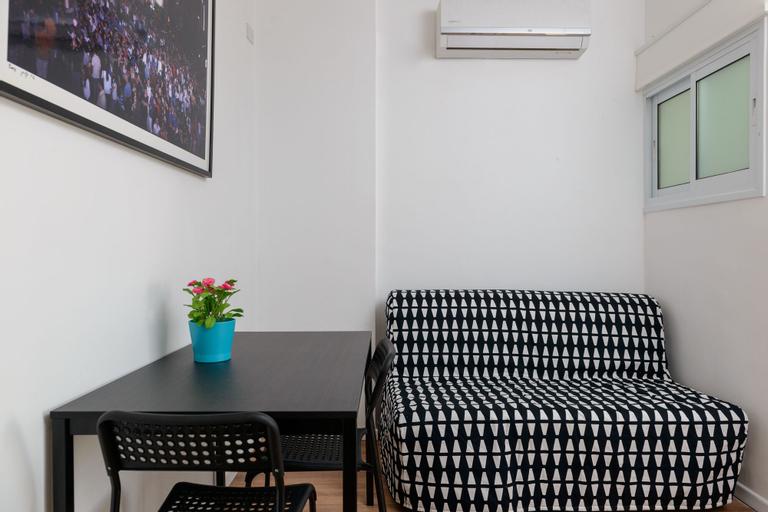 Herzel beach apartment,