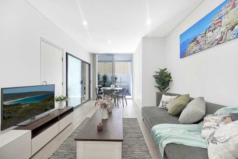 Peaceful & Yet Sophisticated Terrace Living, Ku-ring-gai