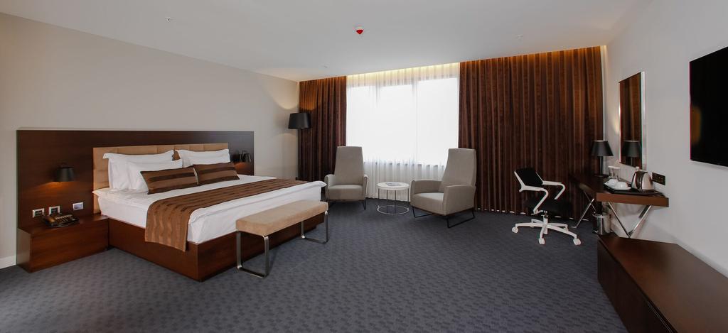 Onhann Hotel, Merkez