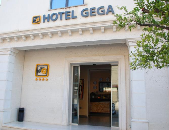 Hotel Gega, Beratit