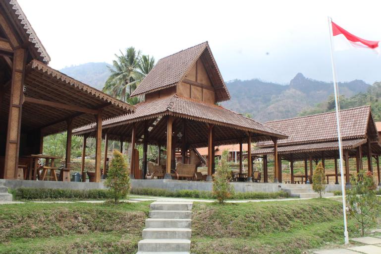 Giritengah Hotel, Magelang