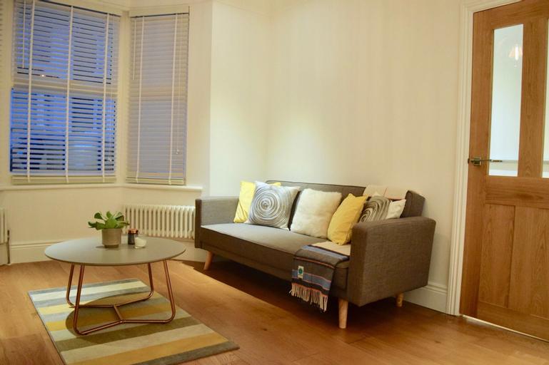 3 Bedroom Home in Lewisham, London