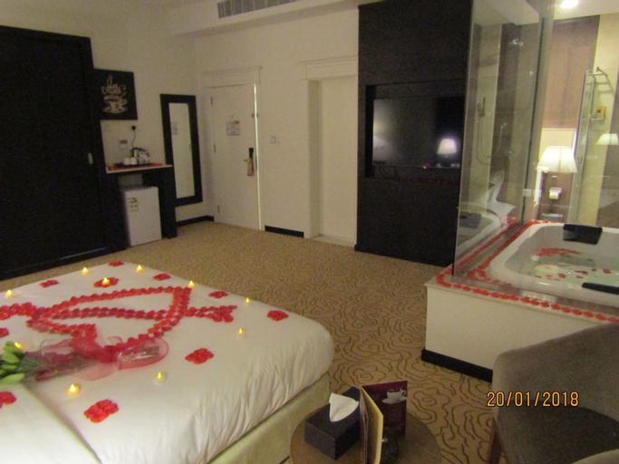 Olian Hotel,