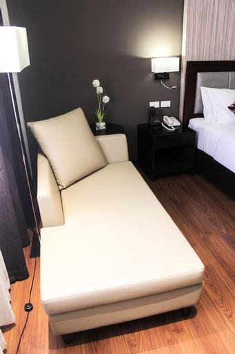 Brentwood Suites, Quezon City