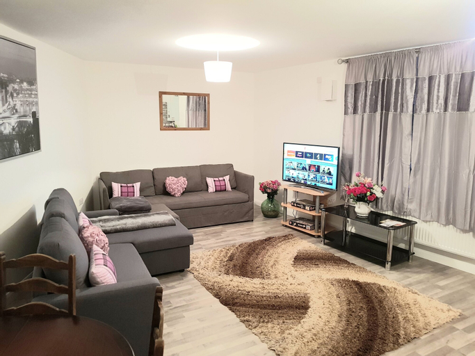 Marble Square Flat 5, Medway