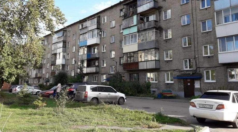 Apartment on Ordzhonikidze 42, Novokuznetskiy