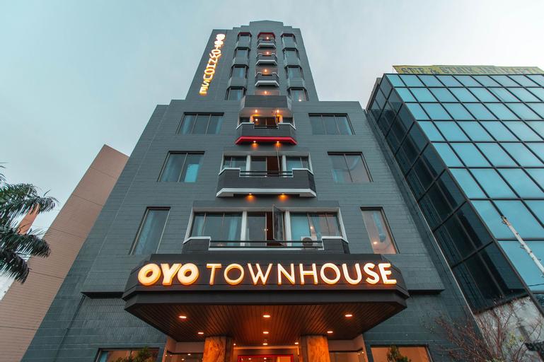 OYO Townhouse 1 Hotel Salemba, Central Jakarta