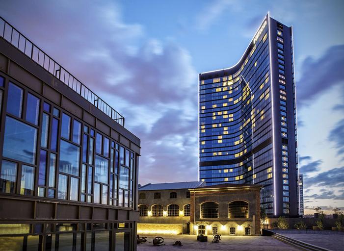 Hilton Istanbul Bomonti Hotel & Conference Center, Şişli