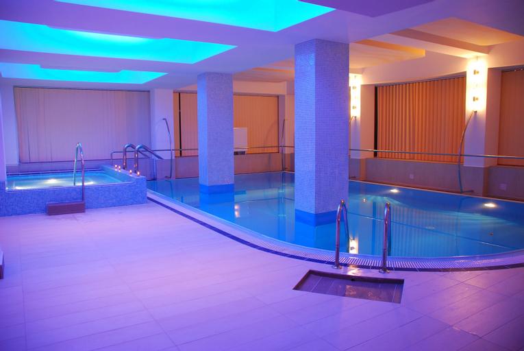 Hotel Nevis Wellness & SPA, Oradea