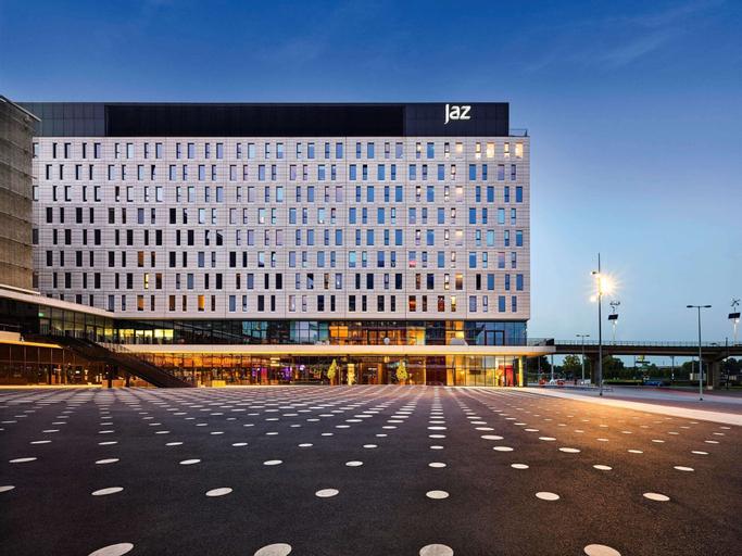 Jaz Amsterdam, Ouder-Amstel