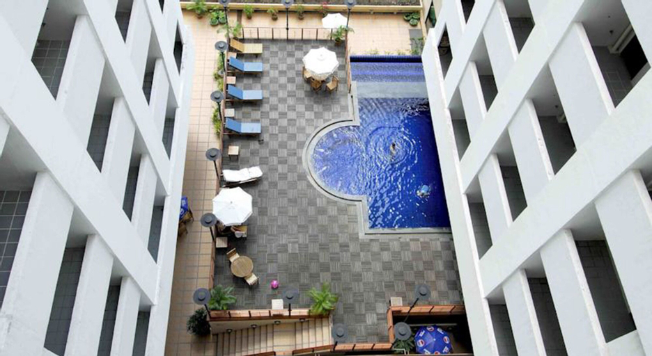 Princeton Bangkok Hotel, Din Dang