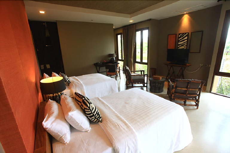 Mountain Creek Golf Resort & Residences, Sikhiu