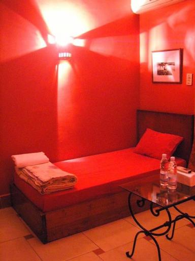Paris Hotel, Qasr an-Nil