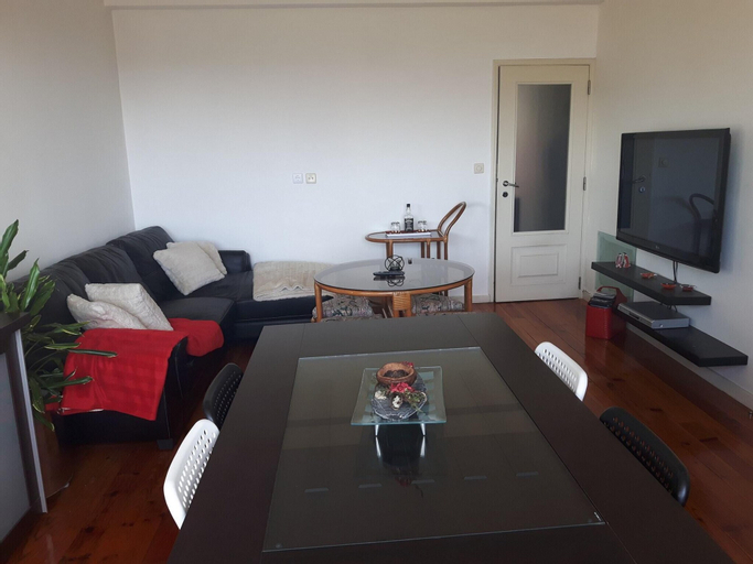 Apartment With 3 Bedrooms in Espinho, With Wonderful sea View - 900 m From the Beach, Espinho