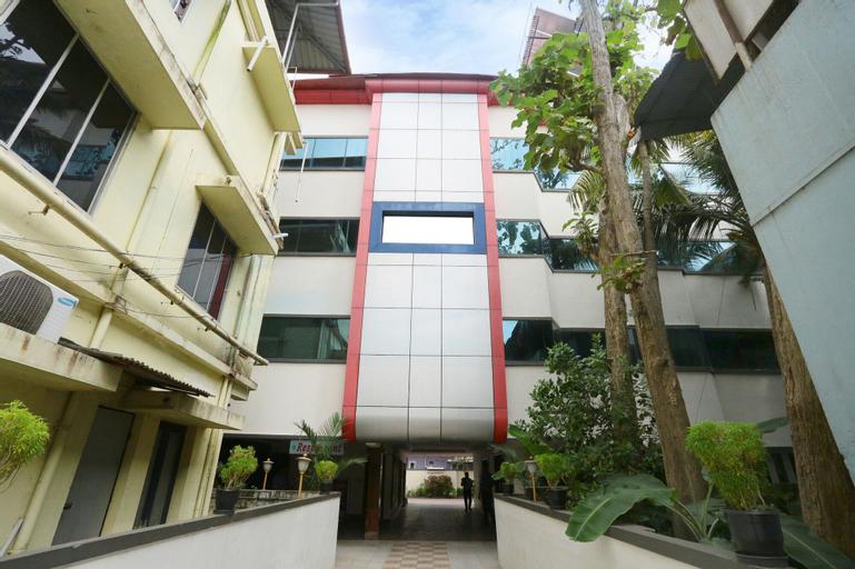 OYO 24157 Karthika Residency, Ernakulam
