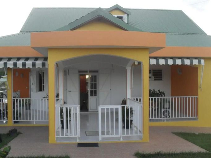 House With 2 Bedrooms in Sainte-anne, With Enclosed Garden and Wifi - 5 km From the Beach, Sainte-Anne