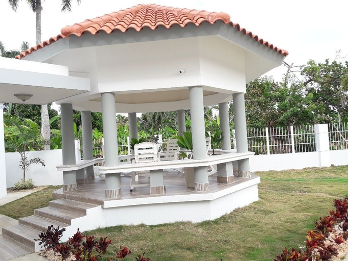Villas HL Cabrera, Cabrera