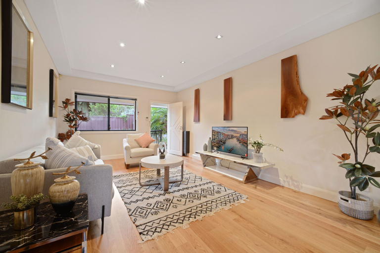 Tranquil And Spacious Home Near Shopping Mall, Ryde
