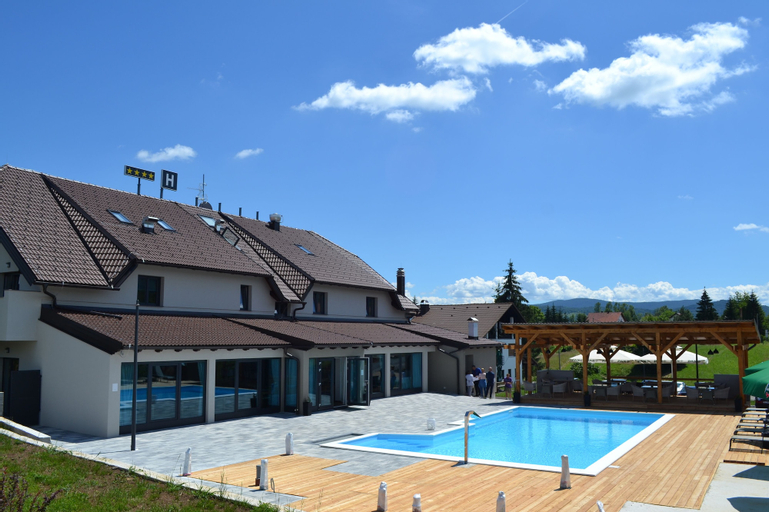 16 Lakes Hotel, Rakovica