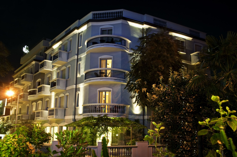 Hotel Sovrana & Re Aqva SPA, Rimini