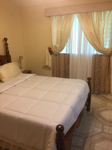 PC ENTREPRISES Guest House, Port-au-Prince