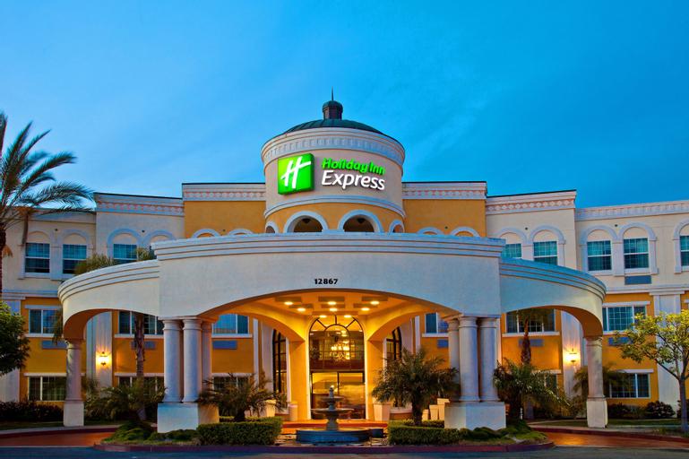 Holiday Inn Express & Suites Garden Grove-Anaheim South, Orange