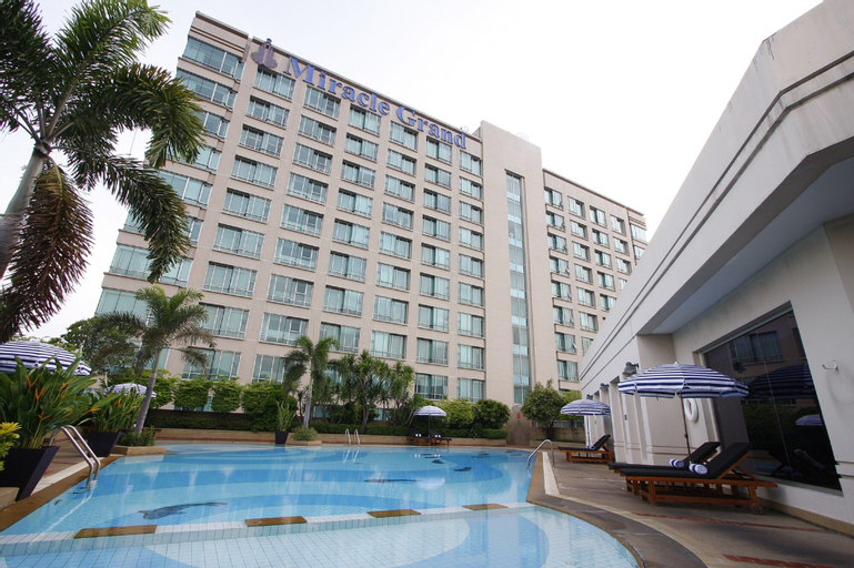 Miracle Grand Convention Hotel, Lak Si