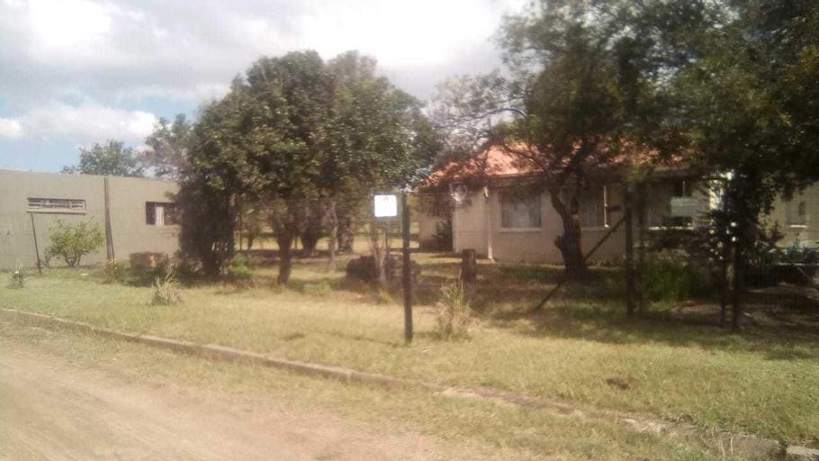 DamView Accommodation, Fezile Dabi