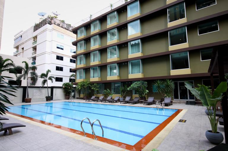 Dynasty Grande Hotel, Khlong Toey