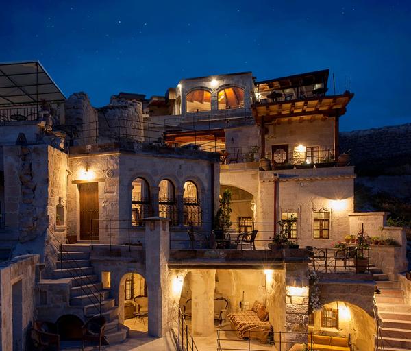 Aydinli Cave House, Merkez