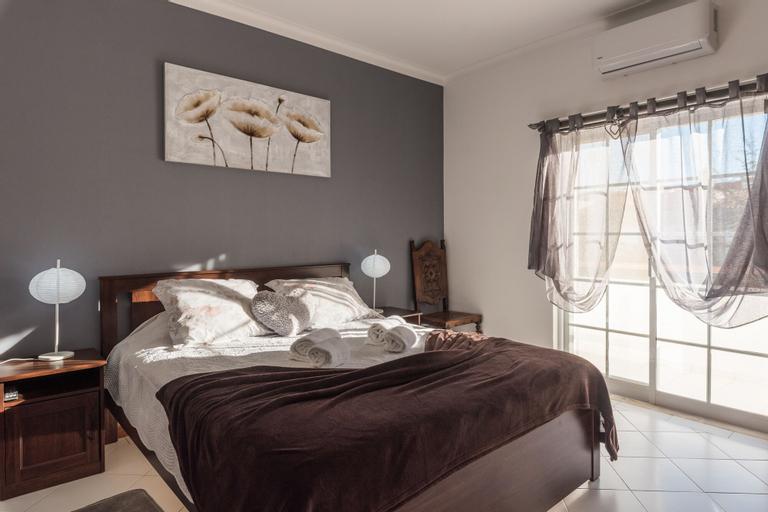 Dipti's Bed and Breakfast, Lagoa