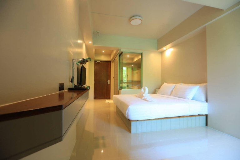A Room Bangkok Sathorn, Sathorn