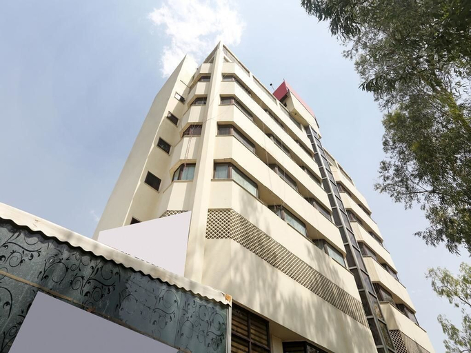 Nirula's Hotel, Gautam Buddha Nagar
