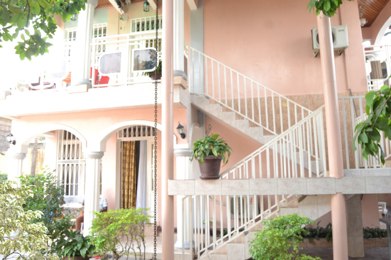 Finesse Ntumba, Kinshasa