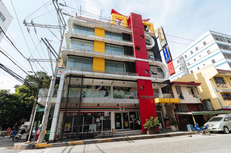 RedDoorz near Bambang Station, Manila