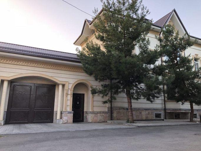 Gonzo Crib, Tashkent City