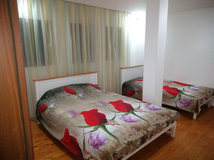 Dream House, Mezdra