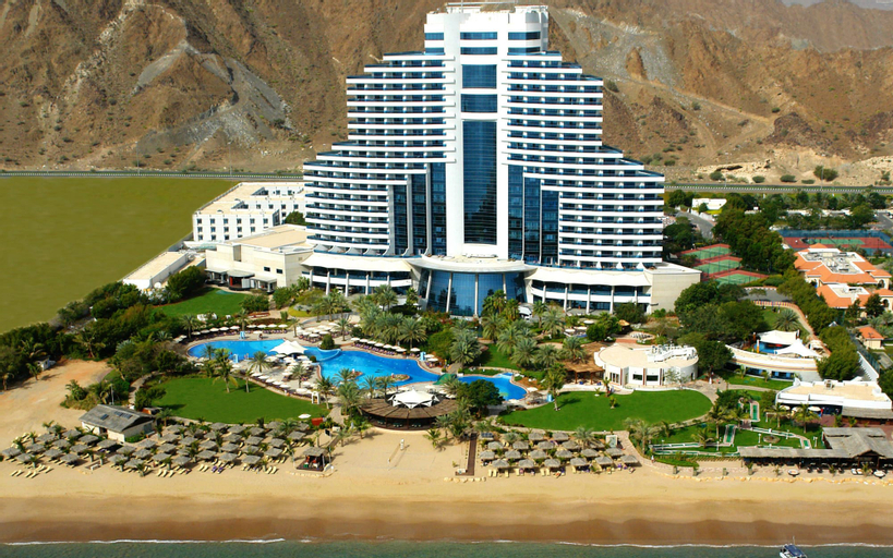 Le Meridien Al Aqah Beach Resort,